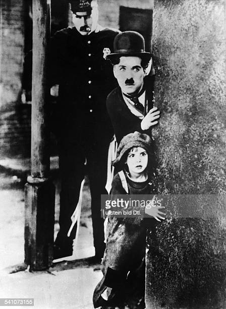 Coogan Jackie Actor USA * Scene from the movie 'The Kid' with Charlie Chaplin Directed by Charles Chaplin USA 1921 Produced by First National Vintage...