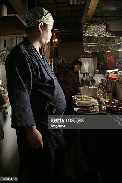 cook in the kitchen - metabolic syndrome stock pictures, royalty-free photos & images