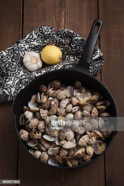 Cooked Flower Clams in Pot