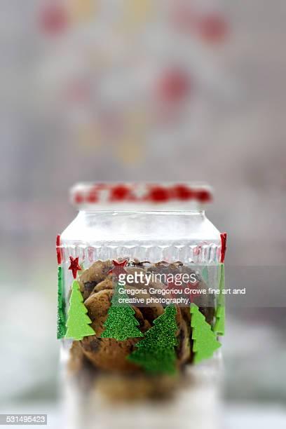cookies in glass jar - gregoria gregoriou crowe fine art and creative photography. fotografías e imágenes de stock
