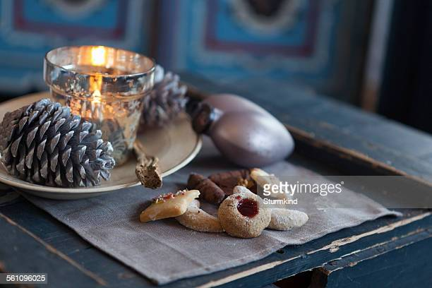 Cookies, pine cone, candle holder, ornament
