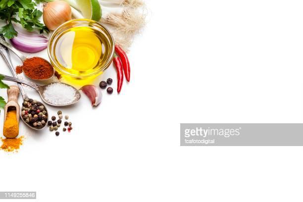 cozinhando e tempero fundos: vegetais, ervas e beira das especiarias. - condimento temperos - fotografias e filmes do acervo
