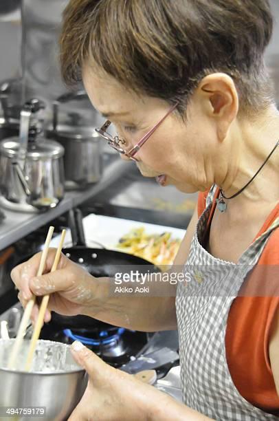 cooking - 天ぷら ストックフォトと画像