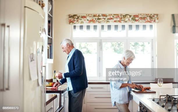 Ensemble de cuisine a renforcé leur lien à travers les années