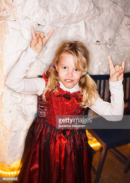 a cool girl sweden. - metaleiro - fotografias e filmes do acervo