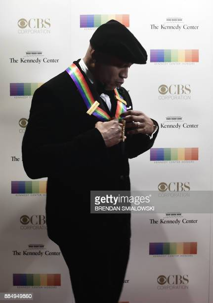 LL Cool J arrives for the 40th Annual Kennedy Center Honors in Washington DC on December 3 2017 / AFP PHOTO / Brendan Smialowski