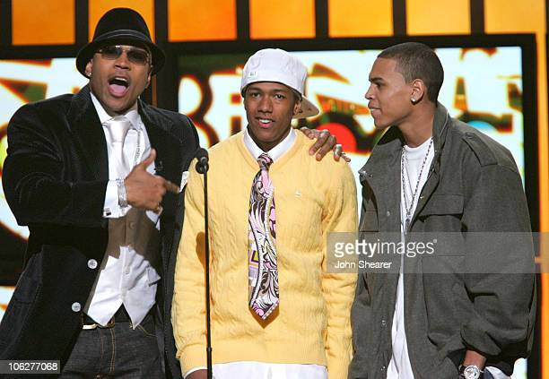 LL Cool J Nick Cannon and Chris Brown present Female RB/ HipHop Artist of the Year