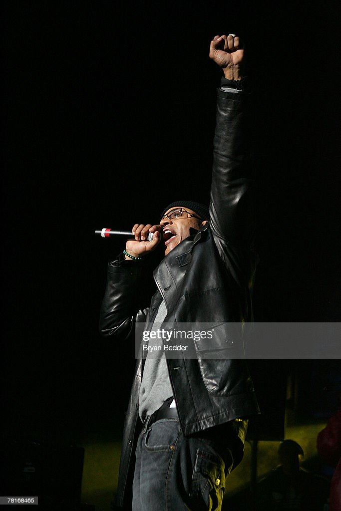 LL Cool J performs onstage at the 2007 J.A.M. awards and concert at Hammerstein Ballroom on November 29, 2007 in New York City.