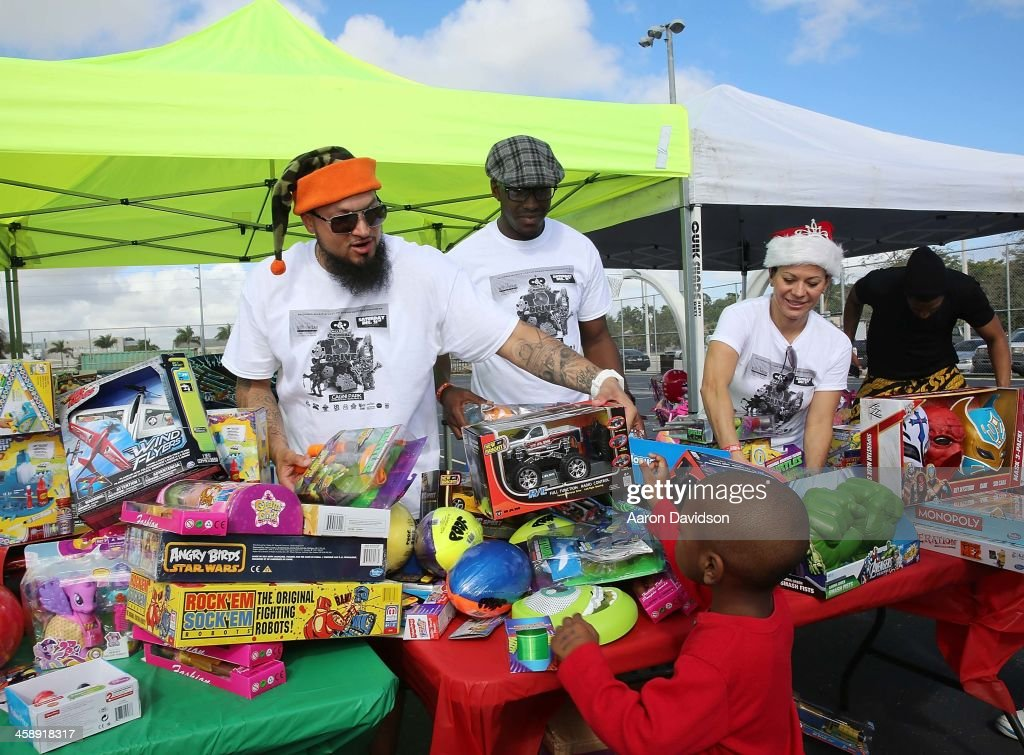 Cool & Dre First Annual Toy Drive : News Photo