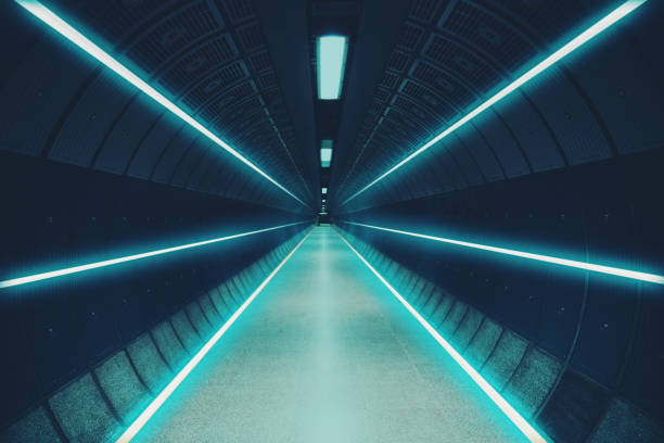 cool underground tunnel with nice vanishing point and neon lights. - 對稱 個照片及圖片檔