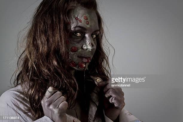 tonos zombi - zombie makeup fotografías e imágenes de stock