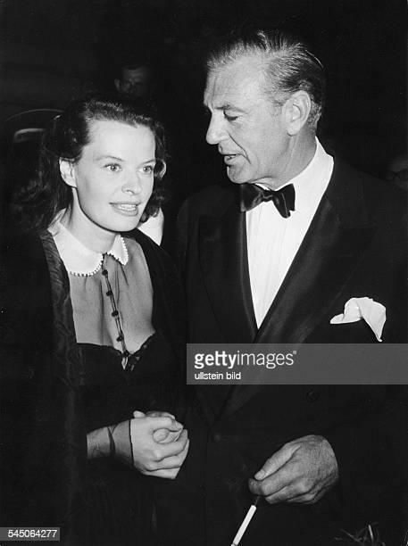 Cooper Gary *Schauspieler USA mit Margot Hielscher waehrend derFilmfestspiele Berlin 1953