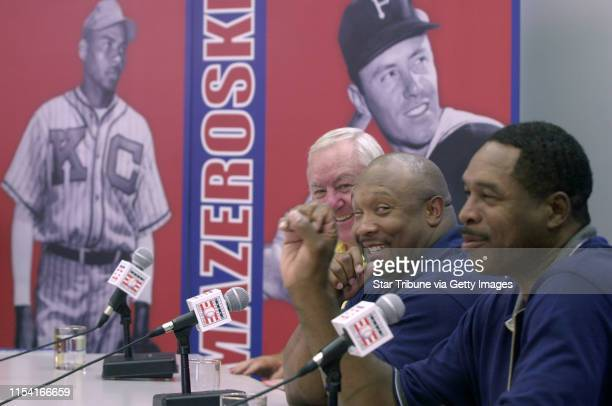 Cooperstown New York 8/4/01 Kirby Puckett Dave Winfield Playing in Hall of Fame Golf Tournament and Press confrenceFormer Minnesota Twins Dave...