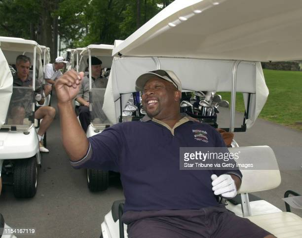Cooperstown New York 8/4/01 Kirby Puckett Dave Winfield Playing in Hall of Fame Golf TournamentFormer Minnesota Twin Kirby Puckett heads out too the...