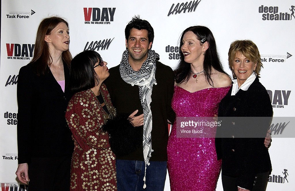 V-Day LA 2004 Benefit Of The Vagina Monologues : News Photo