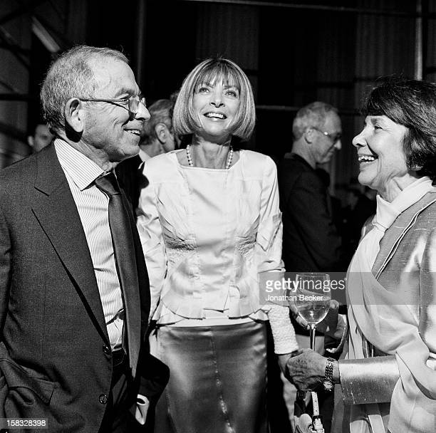 Coowner of Advance Publications Donald Newhouse editor in cheif of American Vogue Anna Wintour and Sue Newhouse are photographed for Vanity Fair...