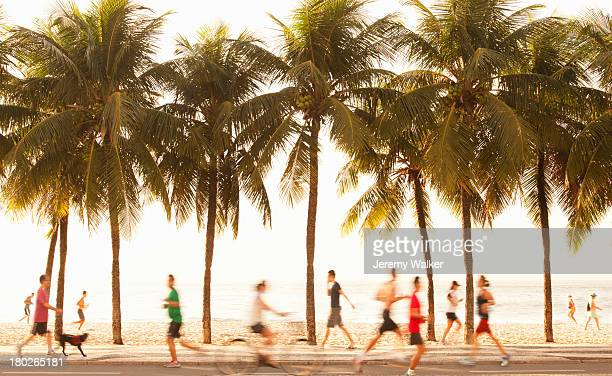 copacabana beach - strand von copacabana stock-fotos und bilder