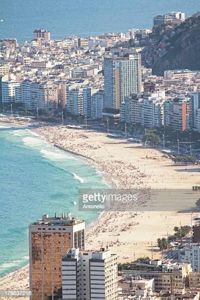 copacabana - strand von copacabana stock-fotos und bilder