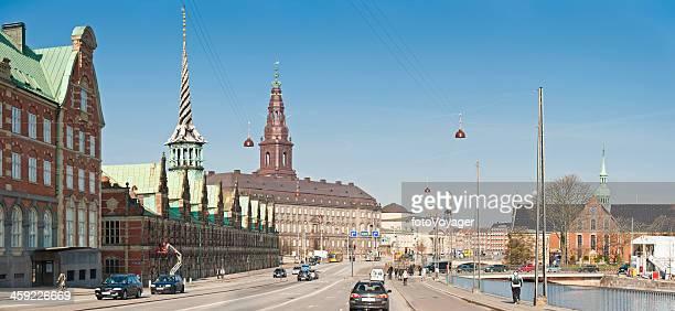 コペンハーゲン børsenクリスチャンスボー城スロッツホルメンストリートシーンデンマーク - クリスチャンスボー城 ストックフォトと画像