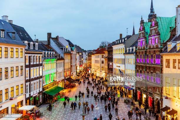 copenhagen decorated for christmas holidays, denmark - famous place photos et images de collection