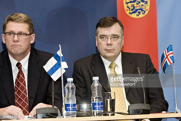 Finnish Prime Minister Matti Vanhanen and Iceland Prime Minister Geir Haarde attend a press conference 30 October 2006 in Copenhagen on the eve of...