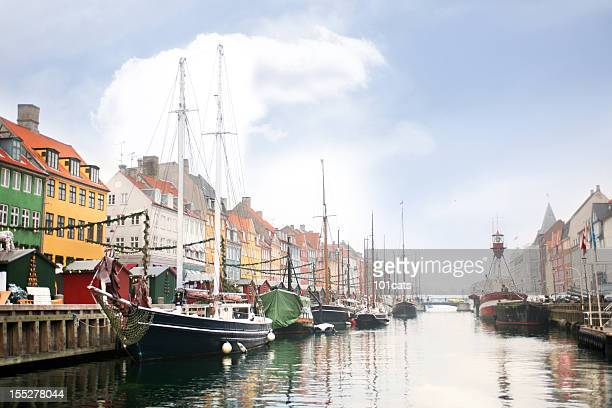 copenhagen harbor - nyhavn stock pictures, royalty-free photos & images