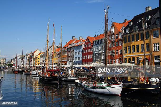 copenhagen, nyhavn - pejft stock pictures, royalty-free photos & images
