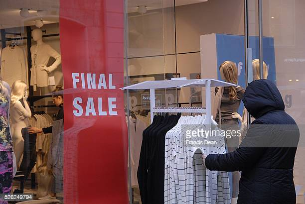 Copenhagen/Denmark/ _ 27 January 2016 _ Various stores holding January sale stores like HM Topshop Illum and others