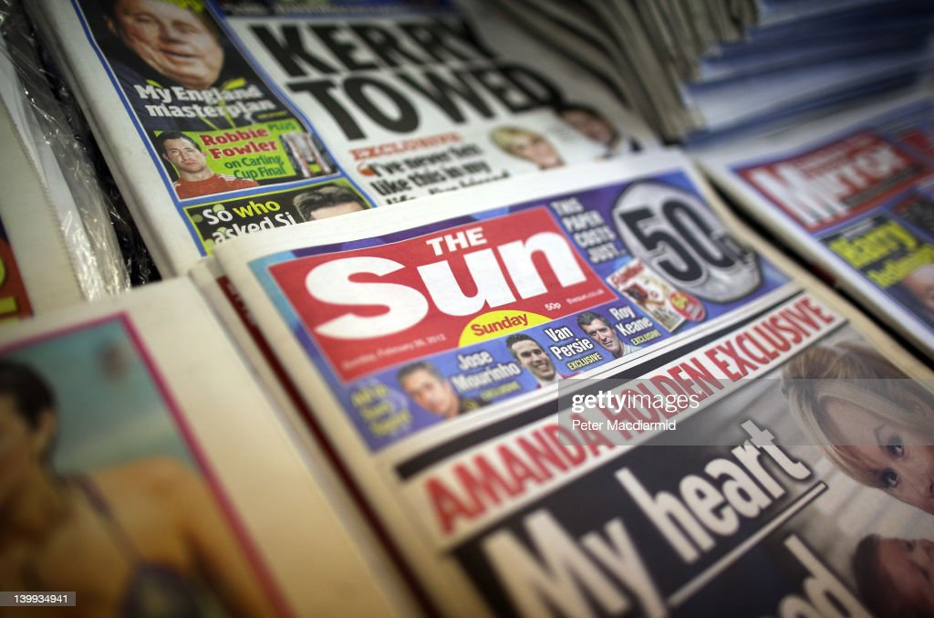 The First Editions Of The Sun On Sunday Hit The Newstands : News Photo