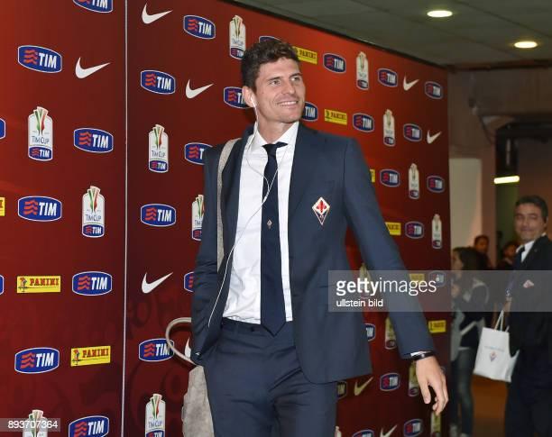 FUSSBALL INTERNATIONAL Coppa Italia Finale 2013/2014 AC Florenz SSC Neapel Mario Gomez
