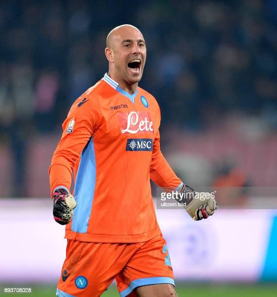 FUSSBALL INTERNATIONAL Coppa Italia Halbfinal Rueckspiel 2013/2014 SSC Neapel AC Rom Torwart Pepe Reina