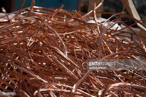 cabo de cobre sucata reciclada - ferro velho imagens e fotografias de stock