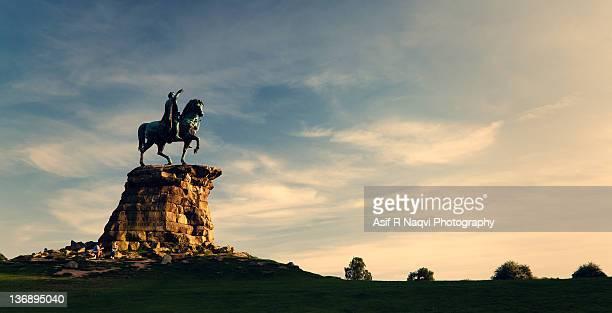 copper horse statue - windsor england bildbanksfoton och bilder