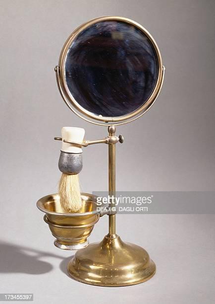 Copper shaving kit France 19th century