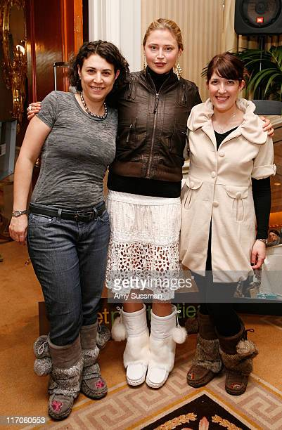 Copresident of Sweet Pedtooties Mara Zipursky actress Estelle Warren and copresident of Sweet Pedtooties Susie Freedman Tapper attend the Oh Canada...