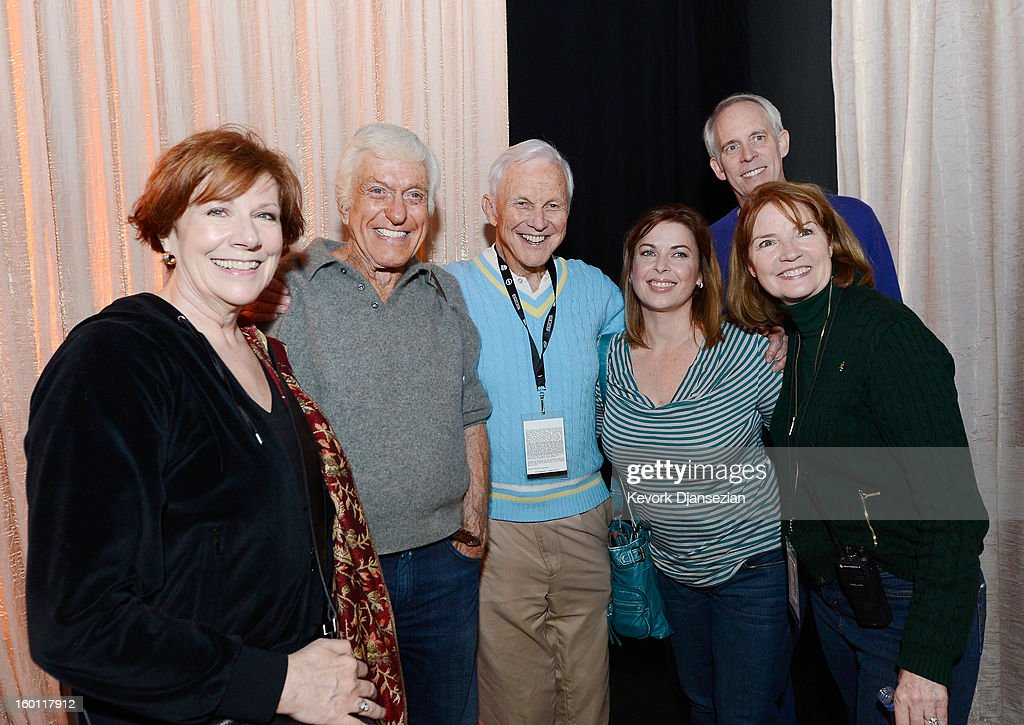Co-President Roberta Reardon (L) SAG Awards honoree Dick Van Dyke (2nd L) SAG Awards Committe member Paul Napier (C) Arlene Silver, wife of Van Dyke, (2nd R) SAG Awards producer Kathy Connell (R) and SAG Awards Committee vice chair Daryl Anderson during the 19th Annual Screen Actors Guild Awards at The Shrine Auditorium on January 26, 2013 in Los Angeles, California.
