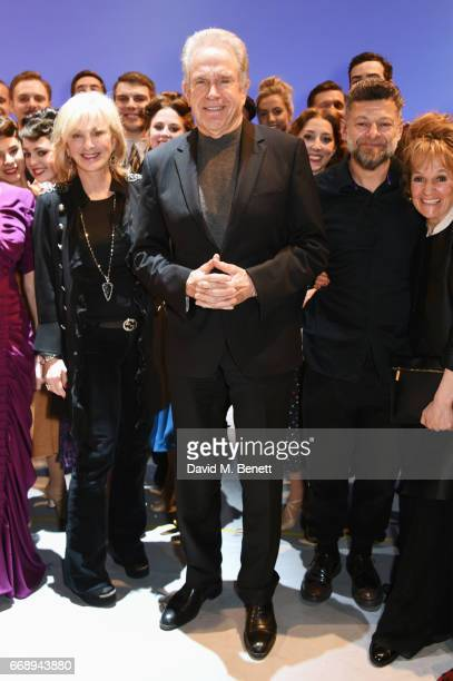 """Co-producer Sybil Robson Orr, Warren Beatty, Andy Serkis and Lorraine Ashbourne pose backstage with cast members of the West End production of """"An..."""