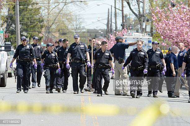 Cops search for the gun allegedly used by Demetrius Blackwell to shoot an undercover cop Brian Moore n the head yesterday