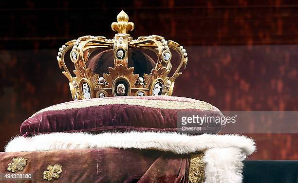 Copy of the king's crown Charlemagne is displayed during the exhibition Le Roi est mort The King is dead at Chateau de Versailles on October 26 2015...