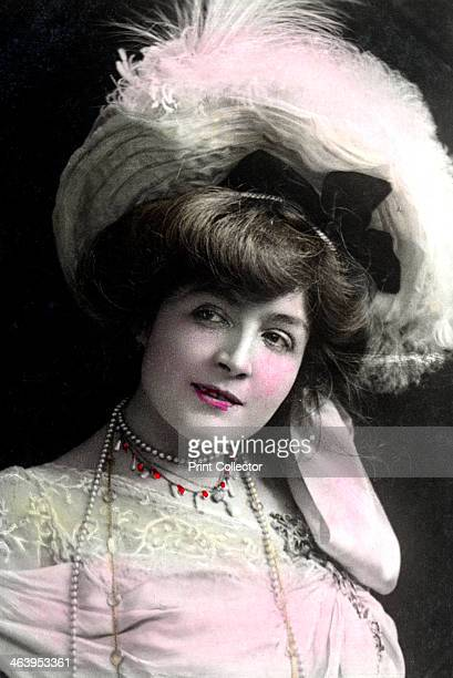 Cora Brown-Potter , American actress, early 20th century.