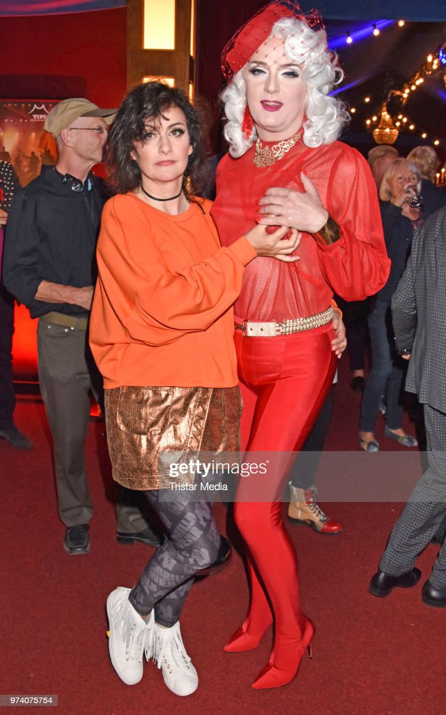 Cora Frost and Sheila Wolf attend the premiere of 'Dee Frost Welt - Lieder' at Tipi am Kanzleramt on June 13, 2018 in Berlin, Germany.