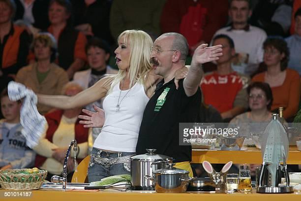 """Cora Schumacher, Koch Horst Lichter, Sat1 - Ostern - TV - Show - """"Jetzt geht's um die Eier!"""", Gerry Weber Stadion, Halle, Westfalen, Deutschland, ,..."""