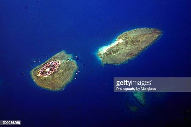 coral atolls - makassar stock pictures, royalty-free photos & images