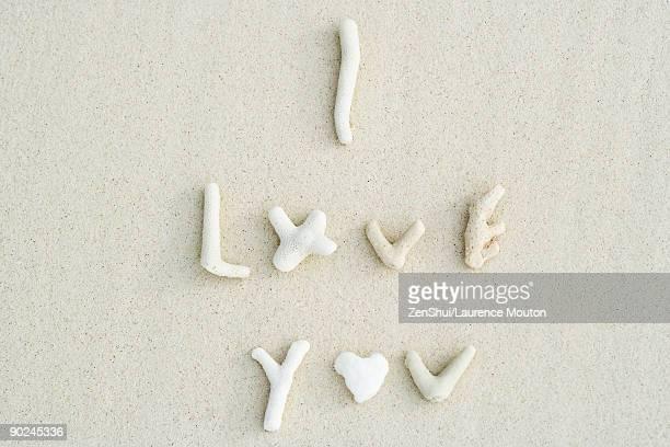coral spelling the words i love you - i love you frase em inglês - fotografias e filmes do acervo