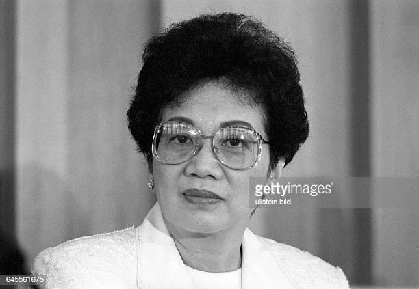 Corazon AQUINO President of the Philippines in July 1989