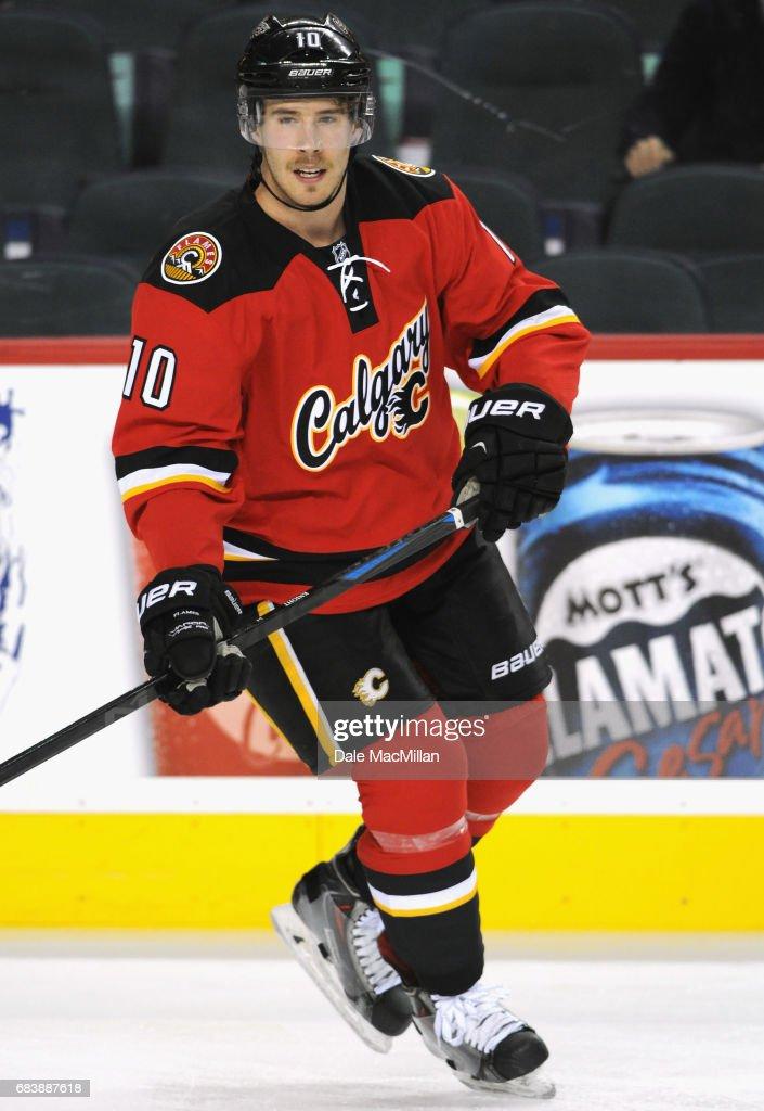 New Jersey Devils v Calgary Flames : News Photo