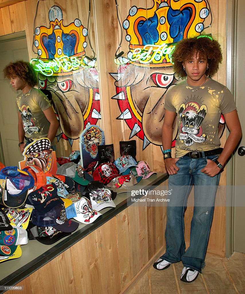 Young Hollywood Rocks Ed Hardy Store - May 2, 2006