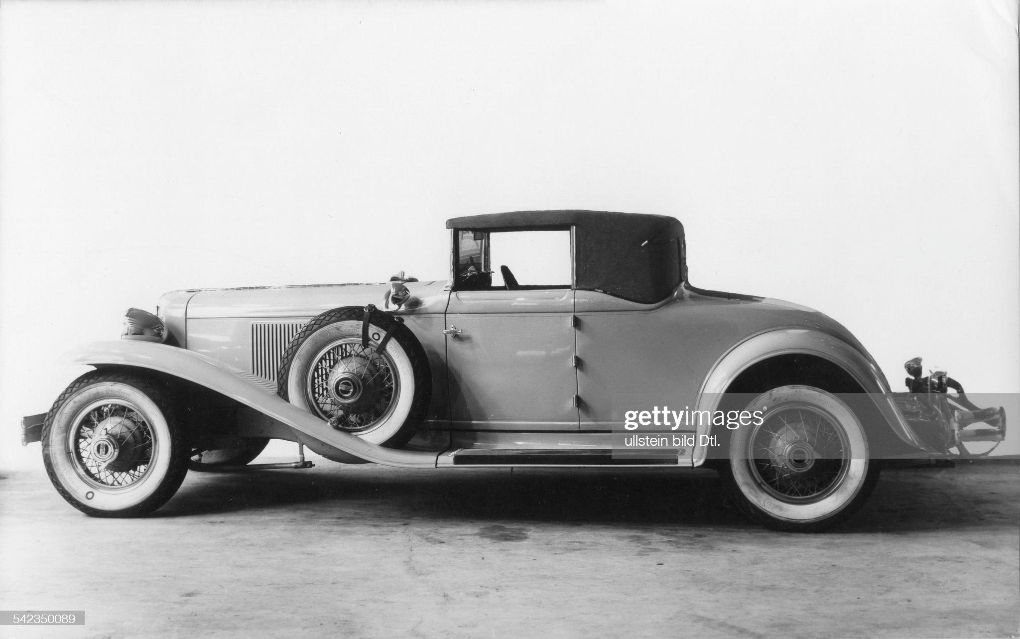 Autos Cabriolet Cord Auburn : News Photo