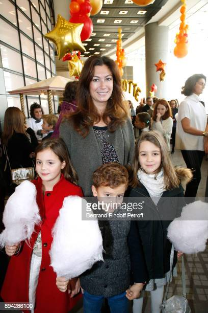 Cordelia de Castellane with her children Clelia Vadim and LeonoraRose attend the 32th 'Reve d'Enfants' Charity Gala at Opera Bastille on December 17...