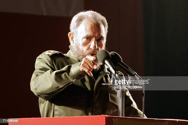 Cuban President Fidel Castro delivers a speech during a political rally of the Alternative Mercosur Summit in Cordoba Argentina 21 July 2006 South...